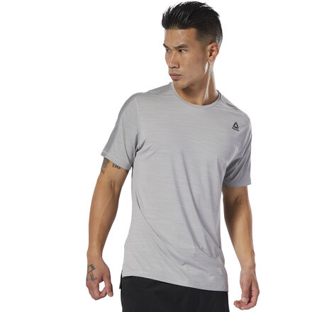 Push through tough sessions in this men\'s training t-shirt. It features breathable ACTIVCHILL fabric that wicks away sweat for cool, dry comfort with every rep. The slim-fitting tee has a droptail hem that provides extra coverage. 84% nylon / 16% spandex single jersey Designed for: High-intensity training Slim fit Breathable ACTIVCHILL fabric helps you stay cool, no matter the conditions Speedwick fabric wicks sweat to help you stay cool and dry Side slits and slight droptail hem Imported