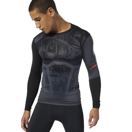 This men\'s training t-shirt is built for high-intensity workouts. It\'s made of breathable, moisture-wicking fabric for cool, dry comfort. The stretchy compression fit follows every move, while flatlock seams lie smoothly against the skin to prevent chafing. 86% polyester / 14% spandex single jersey Designed for: High-intensity training Compression fit Breathable ACTIVCHILL fabric helps you stay cool, no matter the conditions Speedwick fabric wicks sweat to help you stay cool and dry Flatlock seams sit flat against your skin for chafe-free comfort Imported