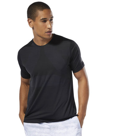Power through tough sessions in this men\'s training t-shirt. Made to manage heat and moisture, it features built-in ACTIVCHILL ventilation for cool, dry comfort during intense activity. It\'s made of a stretchy fabric and cut for a slim fit. 89% nylon / 11% spandex jacquard Designed for: High-intensity training Slim fit ACTIVCHILL Vent combines breathable ACTIVCHILL fabric with built-in ventilation Speedwick fabric wicks sweat to help you stay cool and dry Side slits and slight droptail hem Imported